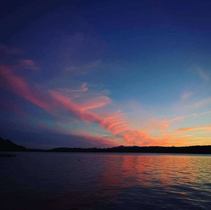 #middleofnowhere #maine #lake #lakelife #sunset #colors #clouds #bluehour #twilight #dusk #stillwater #lifeisgood https:...