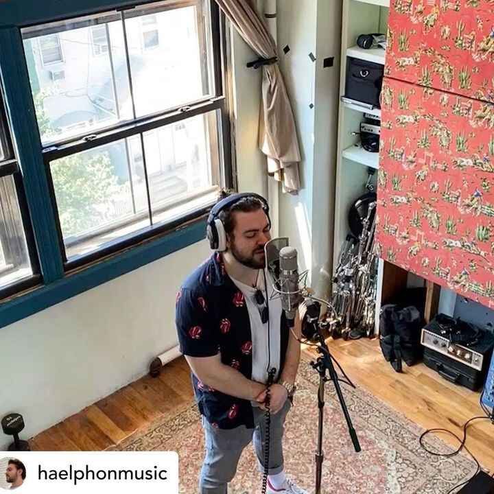@haelphonmusic made it way above the top, now I'm in a spaceship w @ajpillette @biscuittownrecordingco #u47#tubemic #nyc...