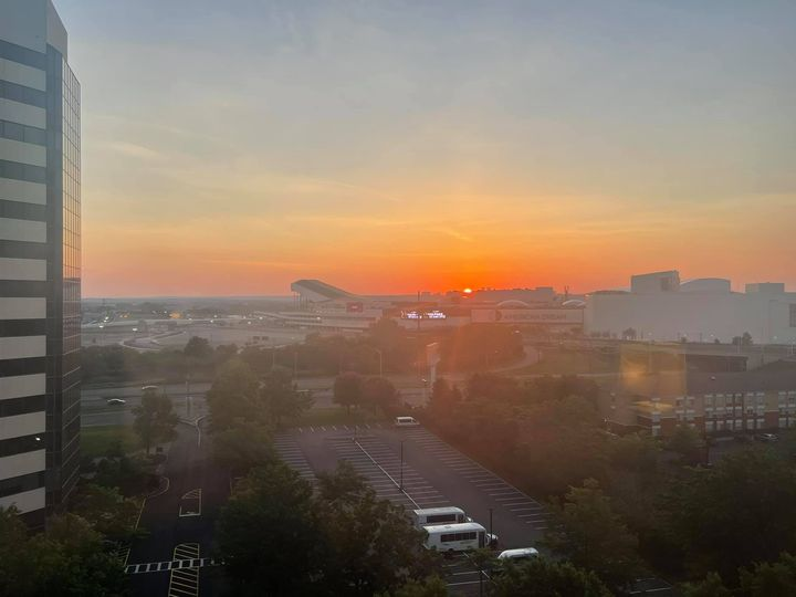Good morning East Rutherford! Up before the sun and excited for DDPR's first event at an 84,000 seat venue - MetLife Sta...
