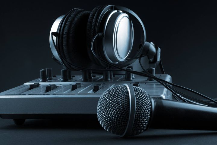 Are you in need of a professional Voice Over artist or an Audio Engineer for your next live corporate event visit www.mt...