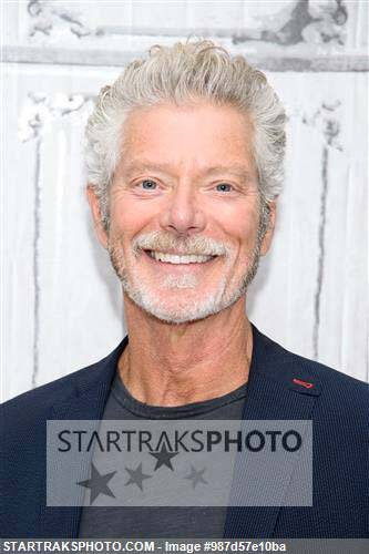 . @IAmStephenLang Stops By @AOLBUILD ! #BeyondGlory #DontBreathe https://t.co/THAakCUKu7 https://t.co/KNBKeTbP1o