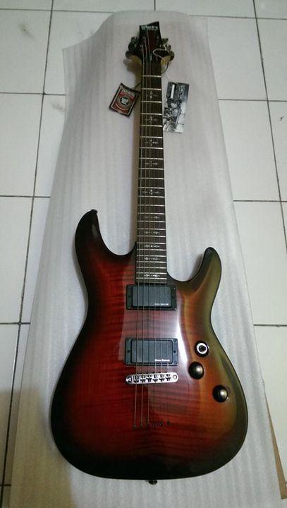 Schecter Demon 6 Crimson Red BurstFull Original, Pickup Duncan Design ActiveMinat call:Blues Guitar Shop l Andre08563013...